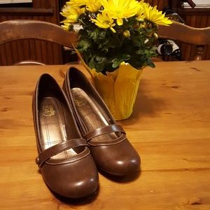 Womens dress shoes from Kohls.Brand New